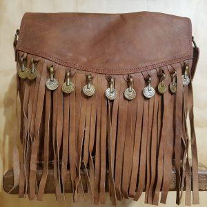 Bolso de piel con monedas marrón