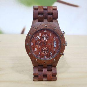 Reloj rojo de madera con correa de madera